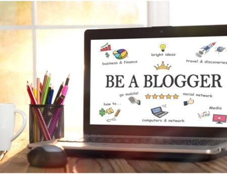 How to Market Yourself as a Professional Blogger and Turn Your Side-Gig Into a Full-Time Job